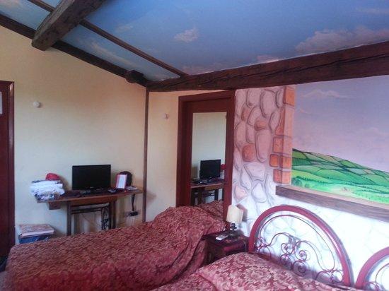 Hotel Masaccio : Parete letto matrimoniale + letto singolo 1