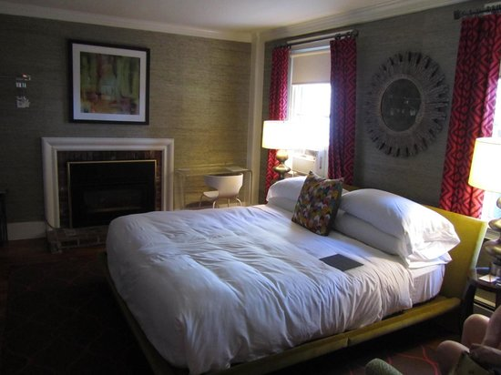 Captain Fairfield Inn: the rachel room