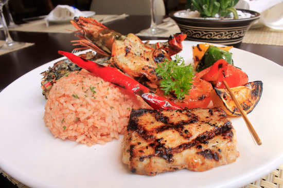 Shammah: Selection of Seafood Platter Served with Rice Saydieh