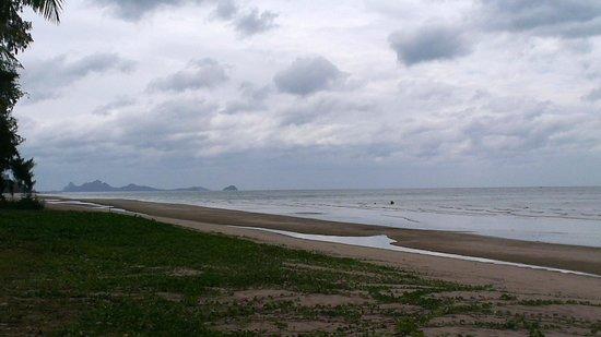 NishaVille Resort: infinity beach line