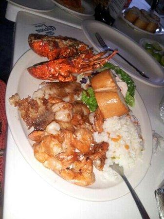 Restaurant Mauricio's: shrimp, fish, and lobster
