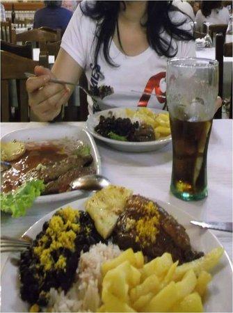 O Assador Tipico : Se disfruta de una excelente carne.