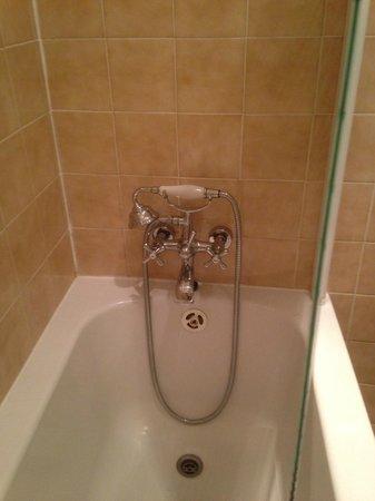 Hotel de L'Amphitheatre : Bathroom