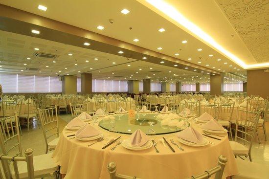 Amigo Terrace Hotel Rooms