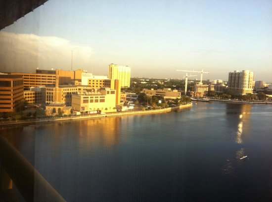 Westin Tampa Harbour Island: VIew from room. Tampa General Hospital @ sunrise.