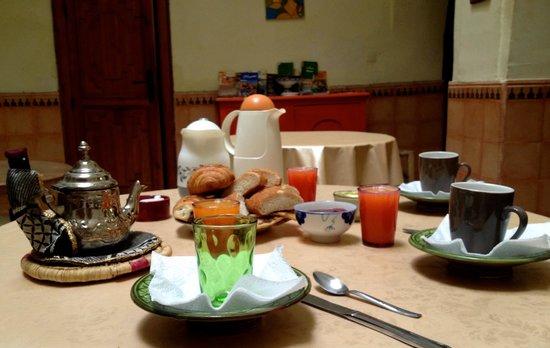 Douarskoll: Breakfast