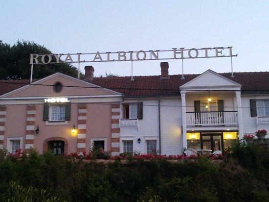 Royal Albion Hotel: hôtel vue de face
