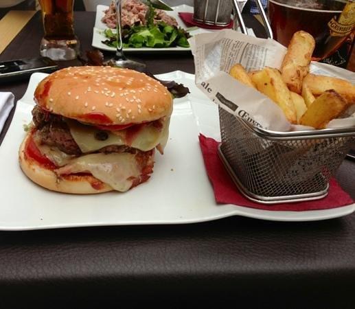 Le Mas Des Oliviers : Hamburger du mas