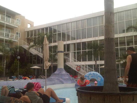 H.TOP Platja Park: pool area