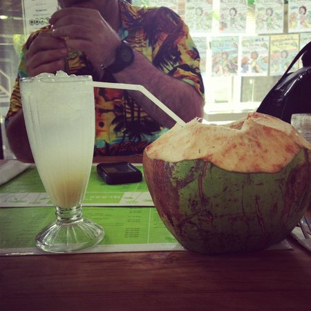 The Glass House: Ginger Fizz Drink & Fresh Young Coconut Juice