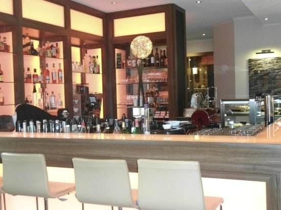 Fleming's Hotel Frankfurt Main-Riverside: хороший выбор напитков