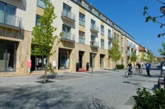 Hunguest Hotel Mirage : Eingang von der Fussgängerzone