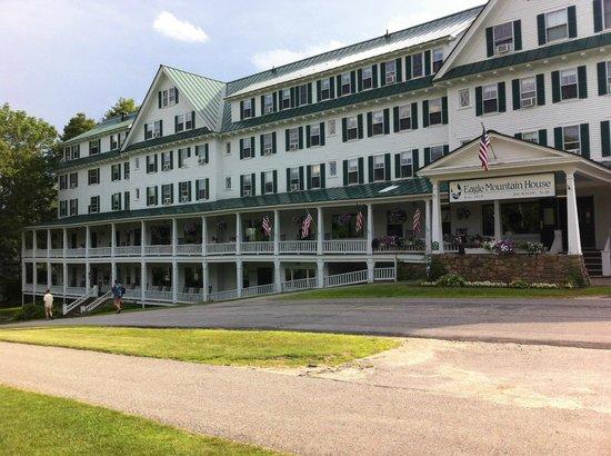 Eagle Mountain House & Golf Club : Frontside
