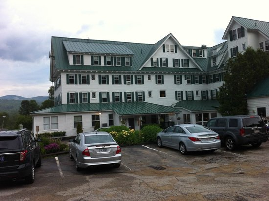 Eagle Mountain House & Golf Club: Hotel from back