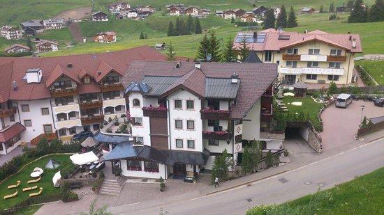 Hotel Condor: Vom Gegenhang aufgenommen