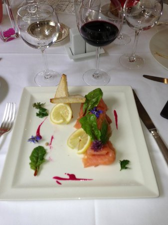 Manoir de la Roseraie : Assiette de saumon du midi