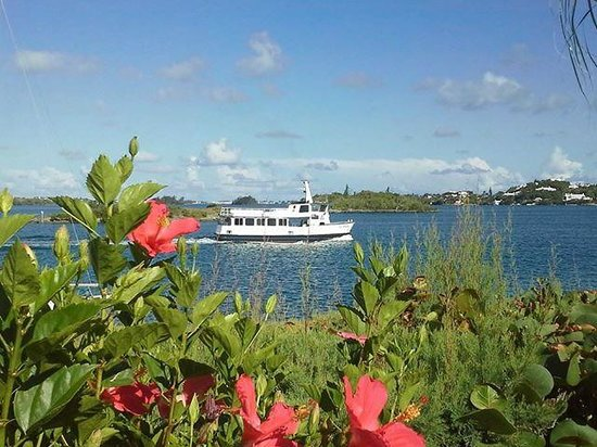 Ferry in the harbor from Greenbank's garden