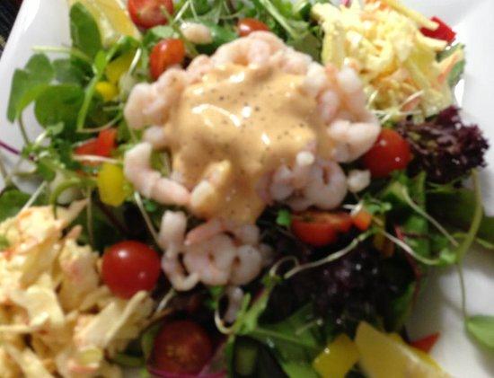 Torcross Boat House: Prawn salad