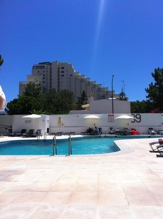 Alcazar Hotel & SPA: plenty of sun in the pool area!