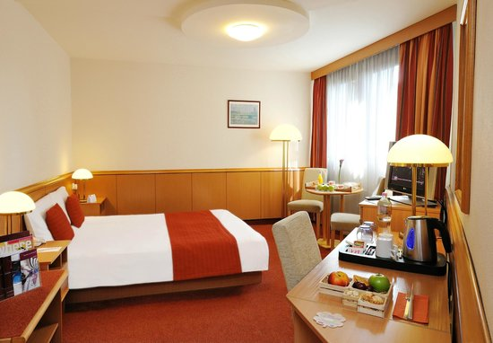 Mercure Budapest City Center: Standard room with tea&coffee