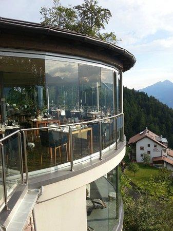 Am weinglas schl rfend schwebend ber meran picture of for Meran boutique hotel