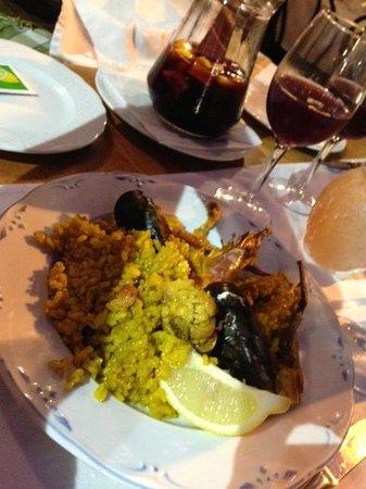 Restaurante Ca Na Ribes : Paella e Sangria
