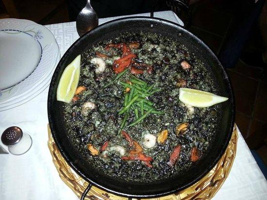 Miguel : Paella de arroz negro y sepia