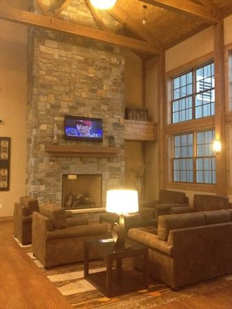Deadwood Mountain Grand Hotel: Lobby.