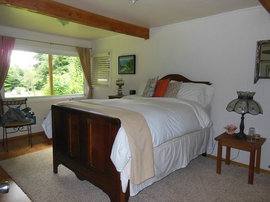 Cape Lookout Bed n Breakfast: Our suite