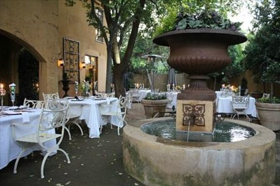 Godiva Spa & Guesthouse: Dine in France