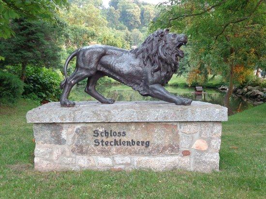 Schloss Stecklenberg: So wird man am Tor empfangen