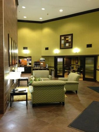 Holiday Inn Express Madison : lobby area