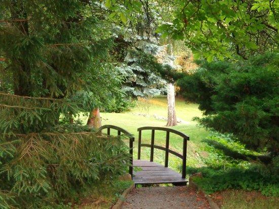 Schloss Stecklenberg: Die Brücke im Schlosspark