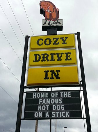 Cozy Dog Drive In : Cozy Drive In Sign