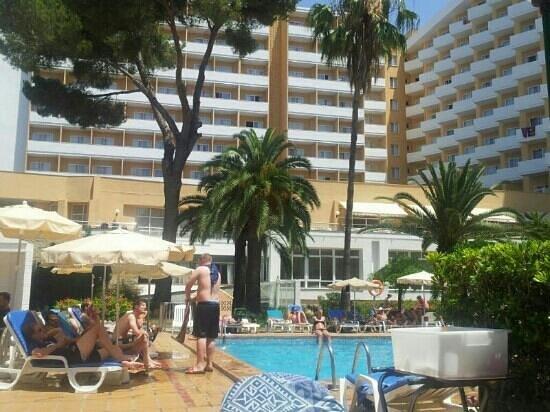 Hotel Riu Playa Park: hotel desde la piscina
