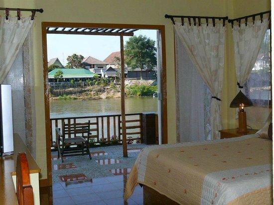 Apple House : River Villa interior