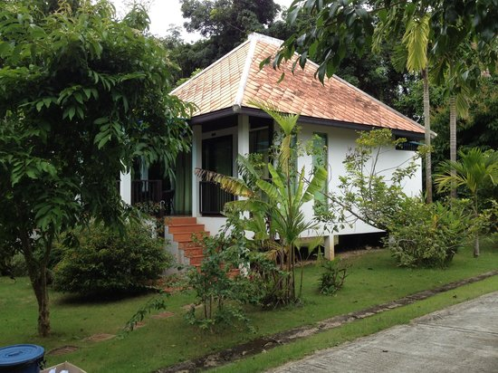 Supsangdao Resort : Our neighbor villa