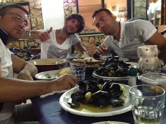 Ristorante La Perla: cozze marinate, frittura di calamari!!!