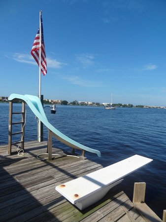 Aunt Martha's Bed & Breakfast: Waterslide off the dock