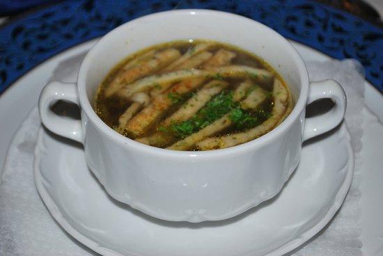 Hotel Thalfried: Pilzsuppe mit Einlage