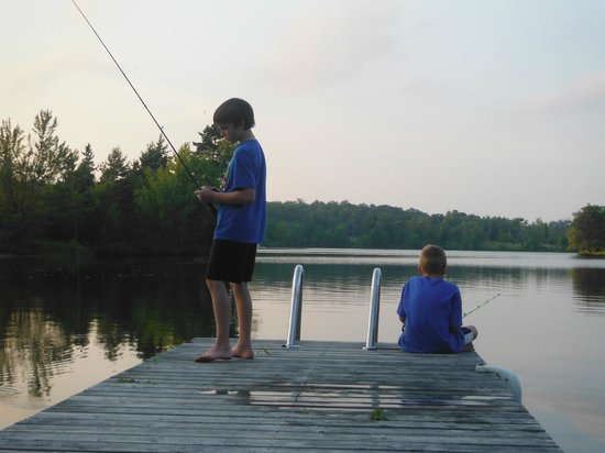 Four Winds Cottage Resort: Even caught a fish