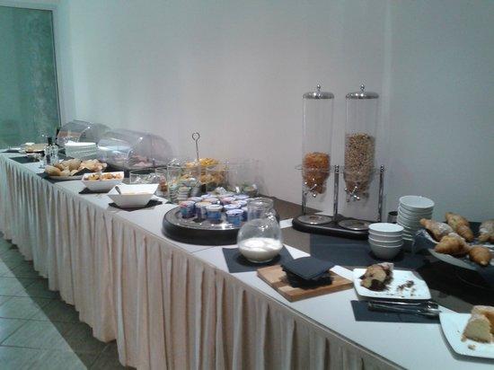 Donizetti Hotel : buffet colazione