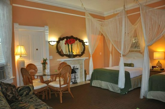 Southernmost Point Guest House: Room 2
