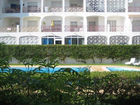 King's Club Apartments: pool