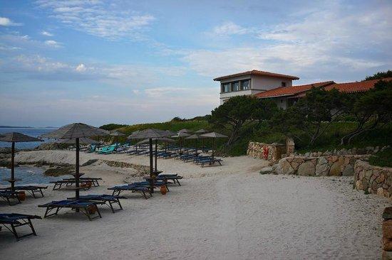 Hotel Sporting: Пляж и вид на номер с панорамным видом