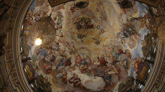 Basilica de la Virgen de los Desamparados: Affresco cupola