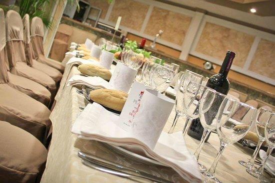 Hotel Plaza Manjón: Dining