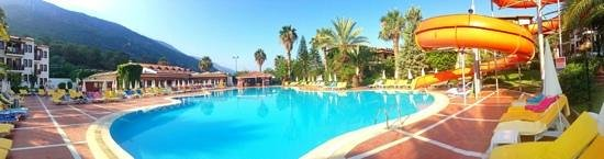 Alize Otel: view from my sun lounger