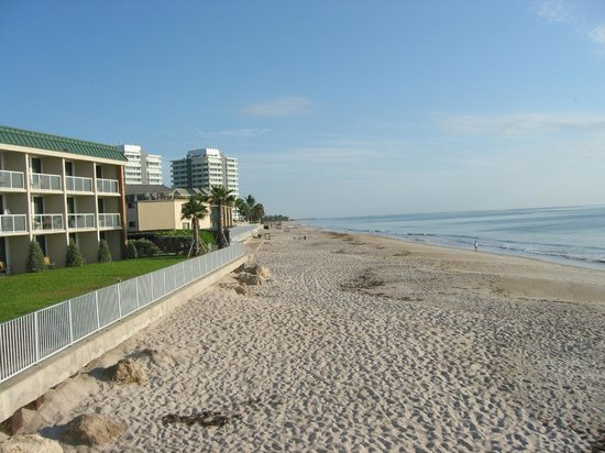Holiday Inn Hotel Suites Vero Beach Oceanside On Left View Along
