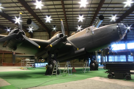 Trenton, Canadá: Handley Page Halifax bomber